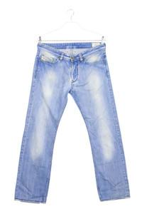 DIESEL - used look straight cut jeans mit logo-badge - W32